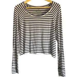 American Eagle Soft&Sexy cropped long sleeve tee